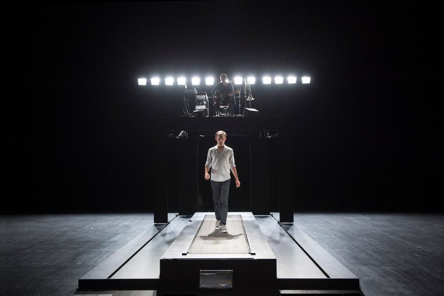 """2015 juin Theatre de Sartrouville""""Réparer les Vivants""""  d'après le roman de MAYLIS DE KERANGALversion scénique et mise en scène SYLVAIN MAURICE"""